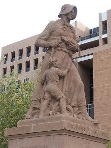 August Leimbach, Madonna of the Trail, 1928, Albuquerque, New Mexico. Photo by Anna Prescott.